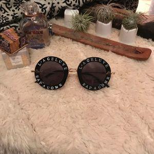 ✨NWT✨* AUOMR - Sunglasses Aviator Gold & Black 🐝